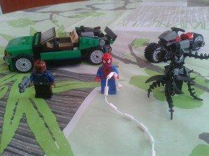 Mon nouveau set Lego Marvel Super Heroes dans figurines 20130417_152038-300x225